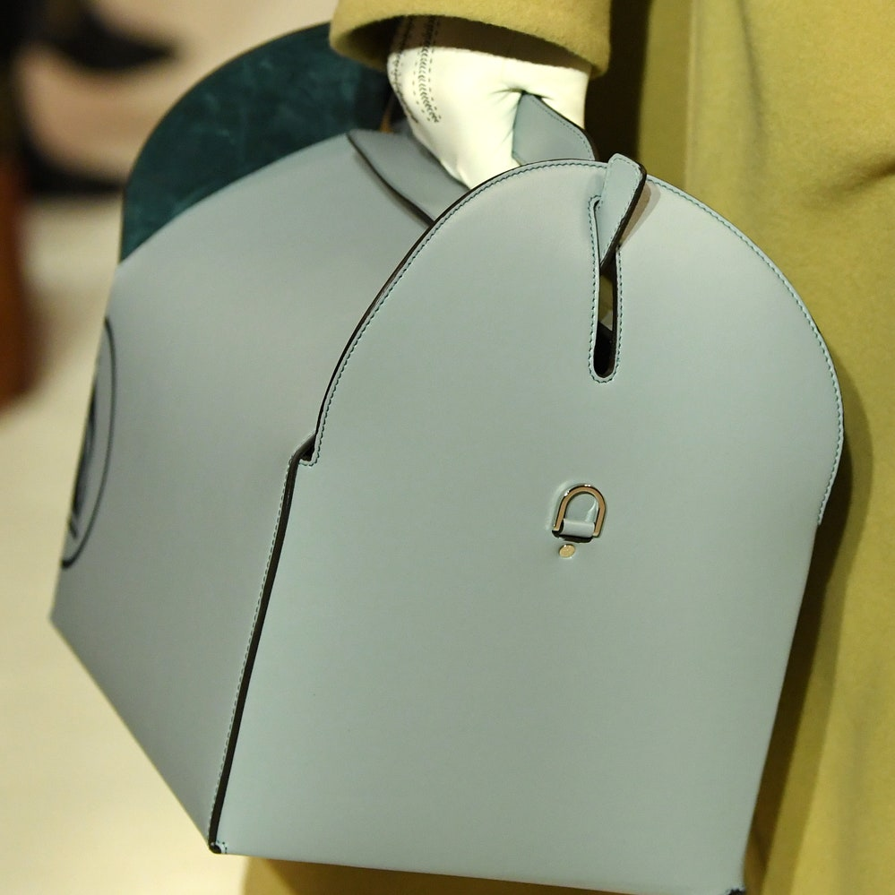 Lanvin: «В моде важна интуиция», — креативный директор Бруно Сиалелли о том, почему показ новой коллекции прошел на Неделе моды в Шанхае