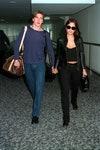 Дэвид Бекхэм и Виктория Бекхэм в аэропорту