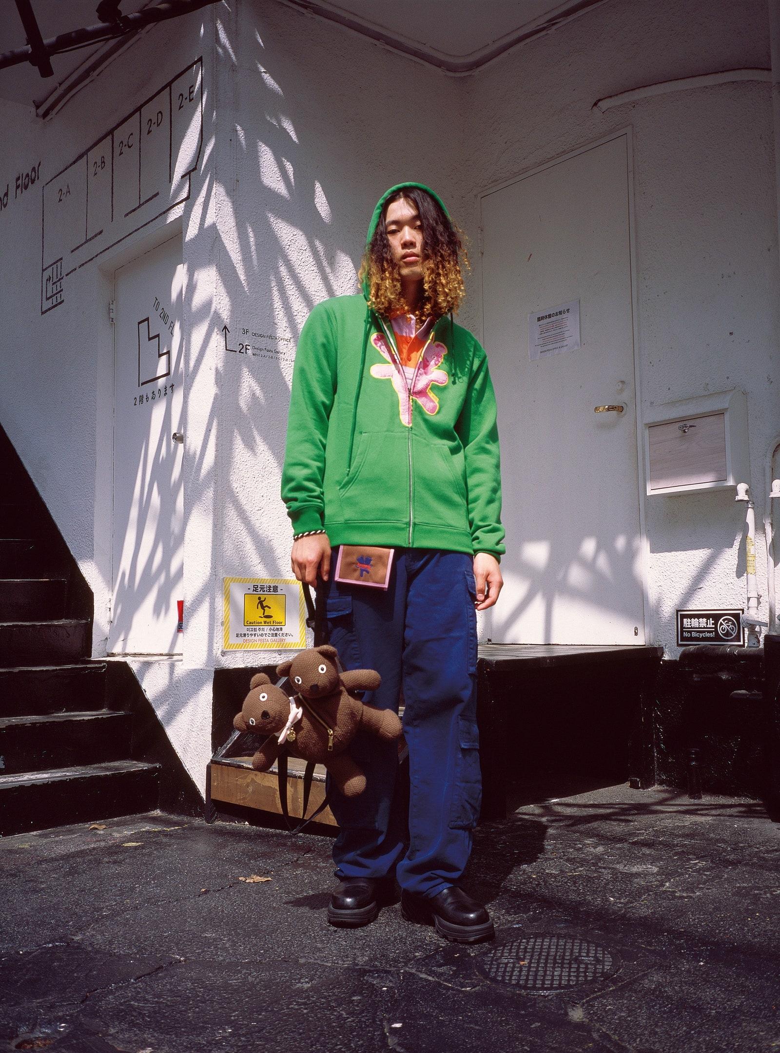 Марк Джейкобс выпустил демократичную коллекцию небинарной одежды Heaven