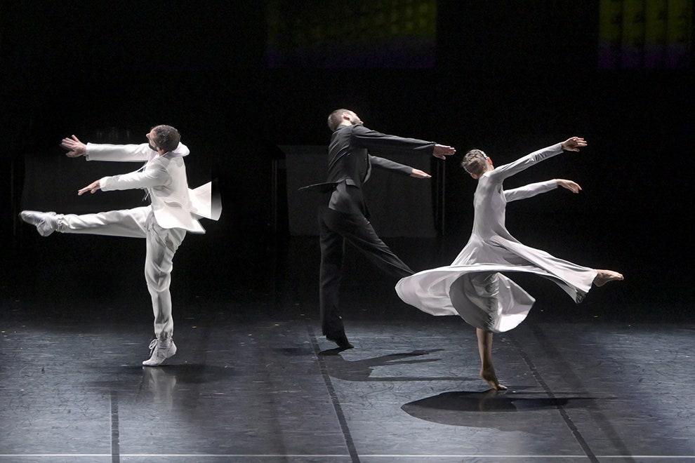 Игорь Чапурин создал костюмы для балета «Лебединое озеро»