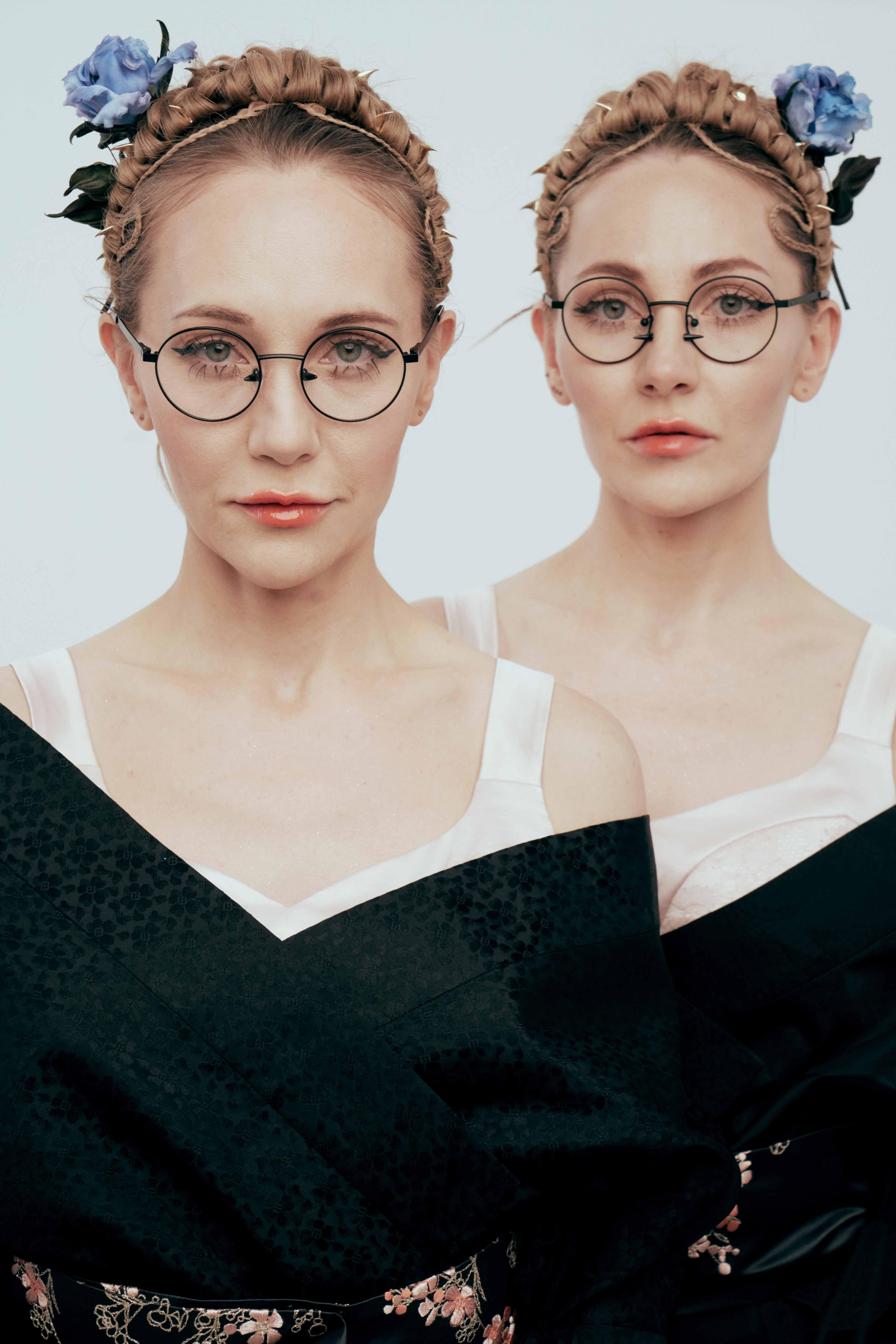 Popovy Sisters и Harry Cooper выпустили очки с пирсингом