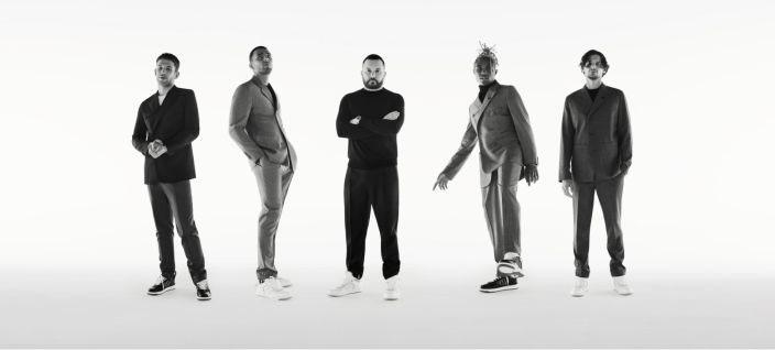 Dior представили капсульную коллекцию мужских костюмов