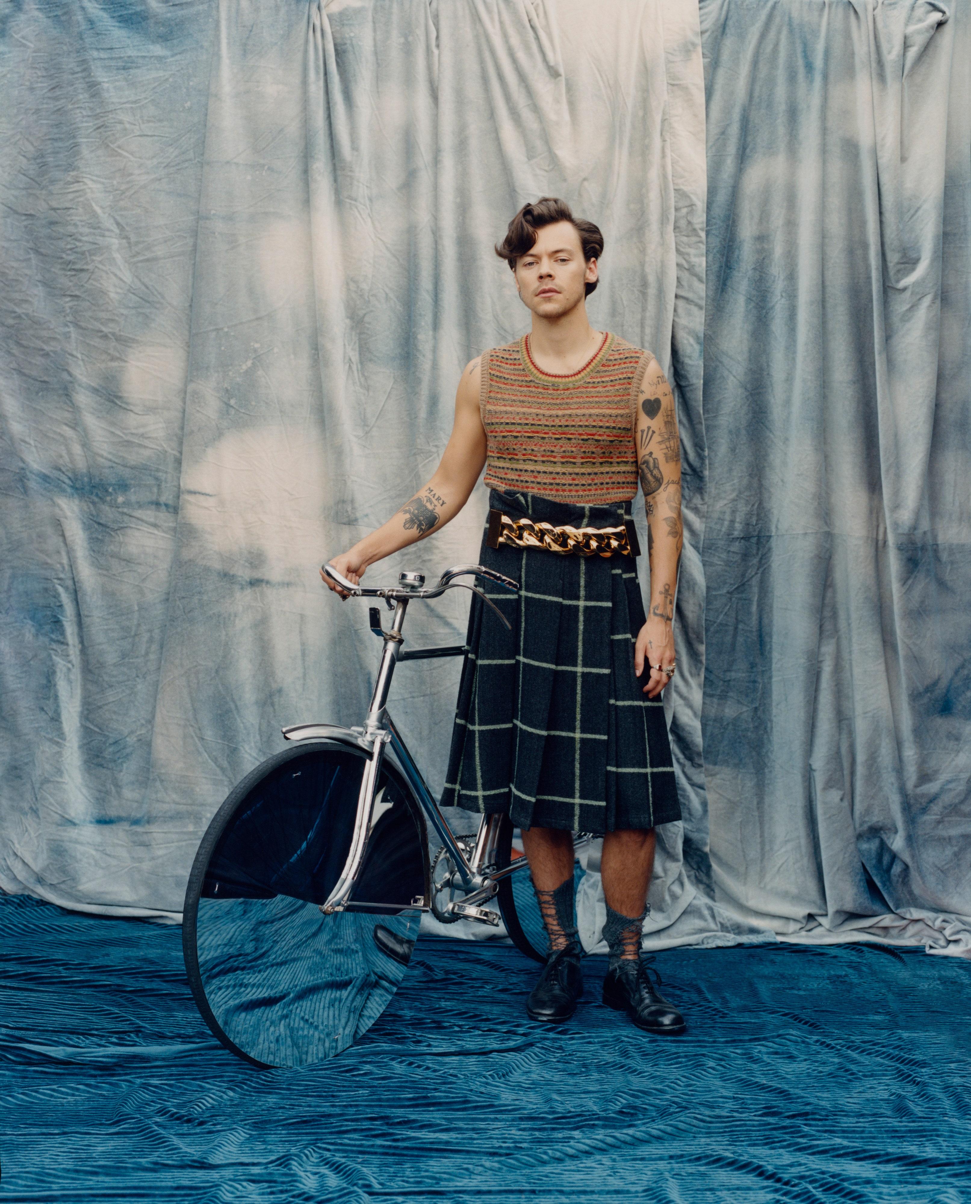 Гарри Стайлс — первый мужчина на обложке Vogue US