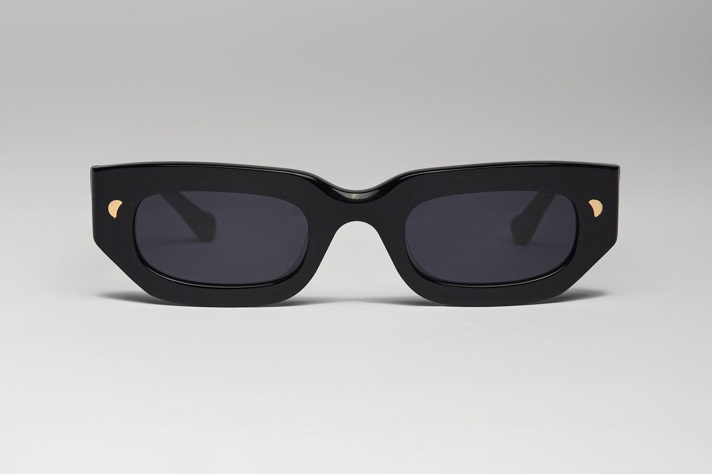 Nanushka выпустят первую коллекцию солнцезащитных очков