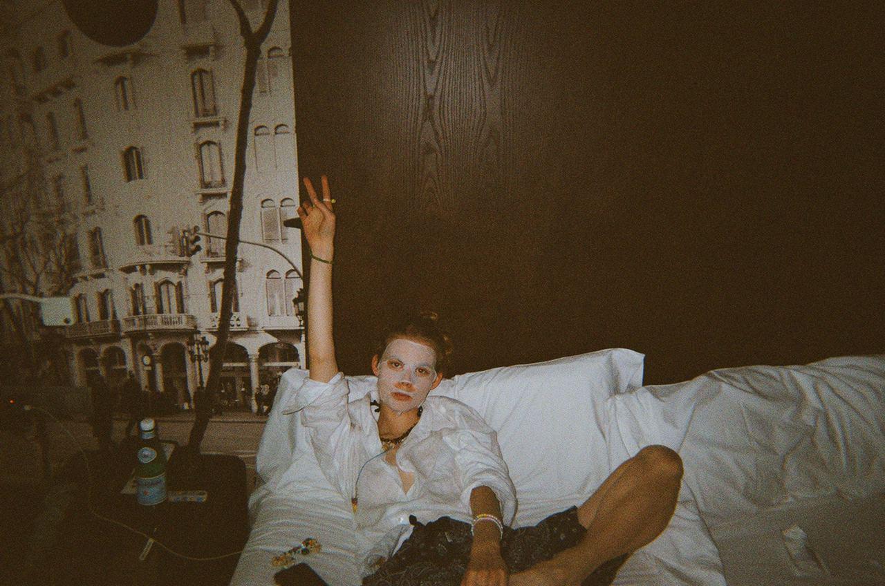 Jolie Alien и Микита Куницкий говорят о любви, дружбе и искусстве в интервью Vogue
