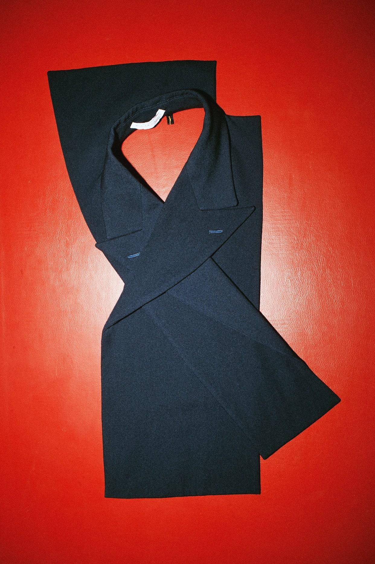 Мэри-Кейт Олсен отобрала винтаж Chanel, Martin Margiela и Comme des Garçons — он выставлен на продажу на сайте The Row