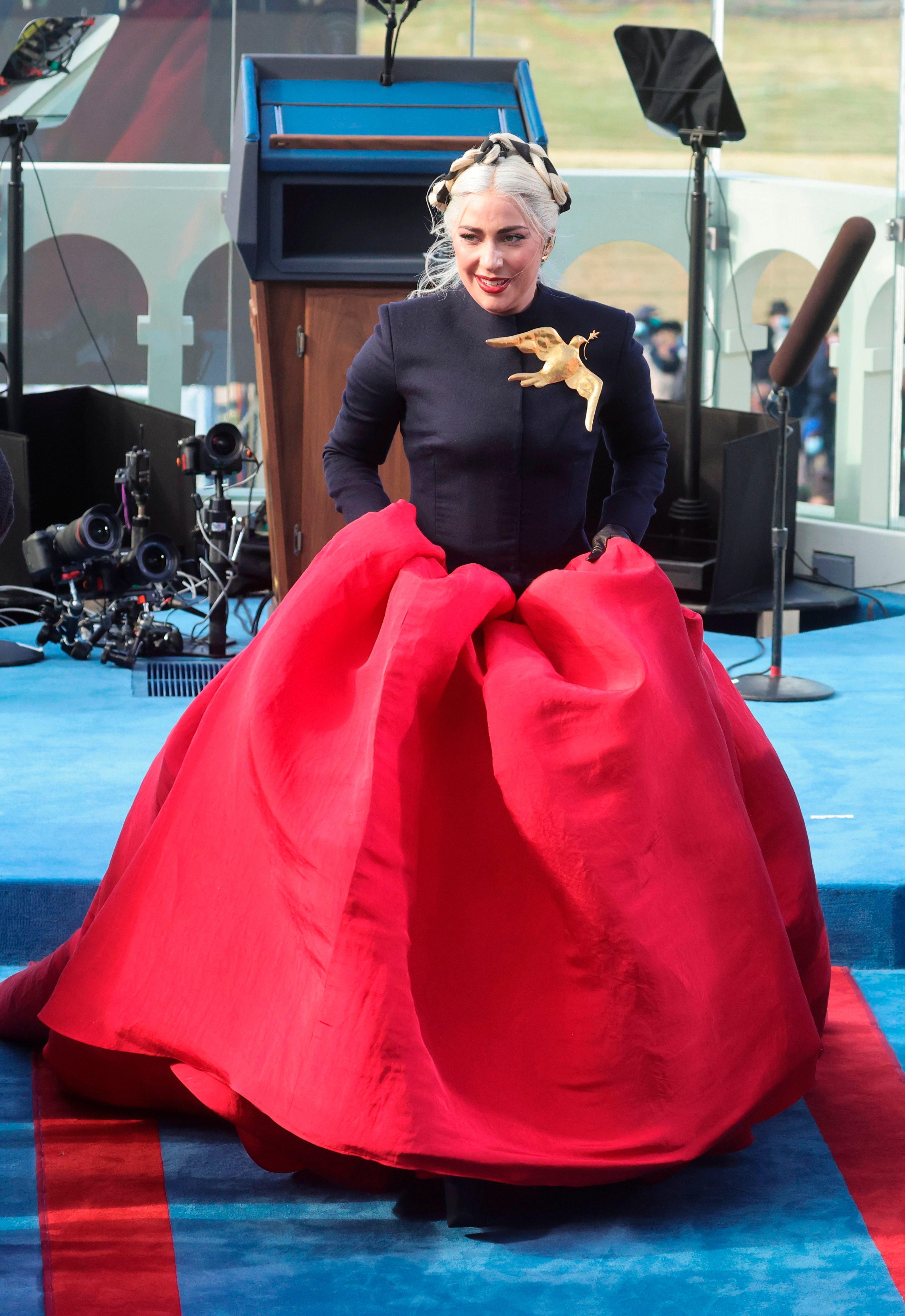 Элла Эмхофф — падчерица Камалы Харрис и новая икона стиля Белого дома. Что надо о ней знать?