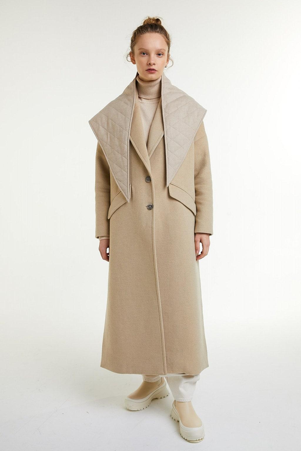 Vogue Россия представили коллекцию стеганых косынок и шарфов