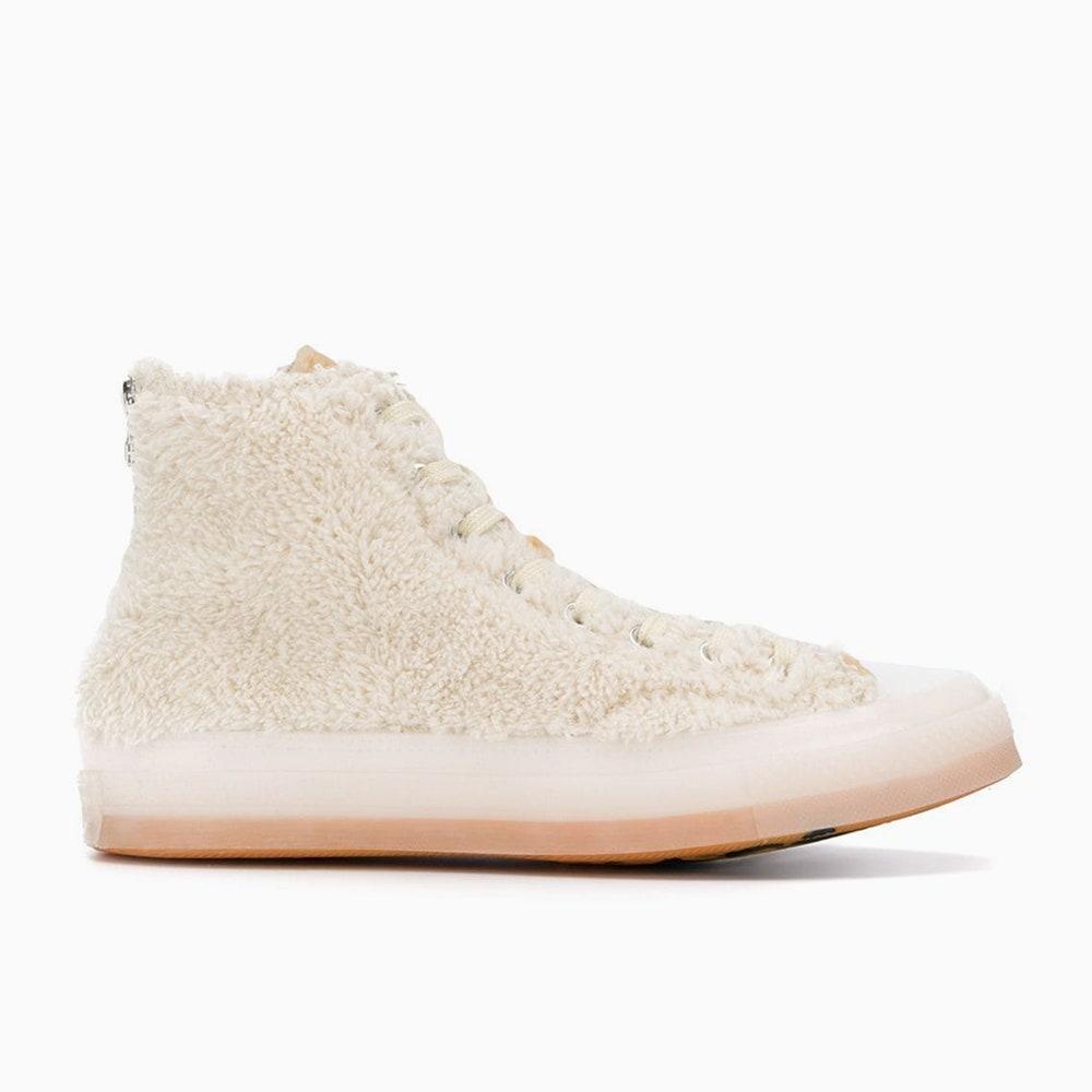 Бежевые ботинки, как у Эмили Ратаковски, и еще 7 похожих пар
