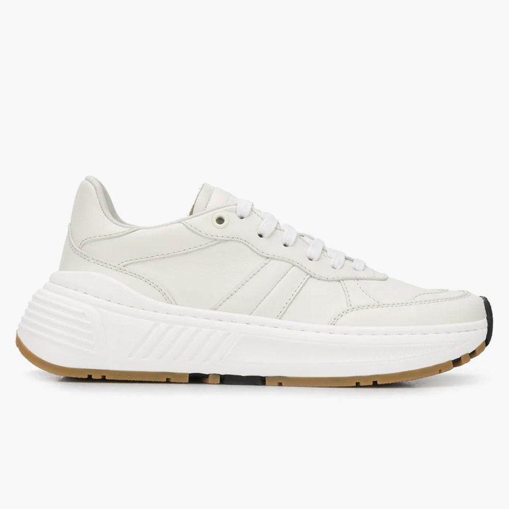 Этой весной носите белые кроссовки, как у Мэри-Кейт Олсен