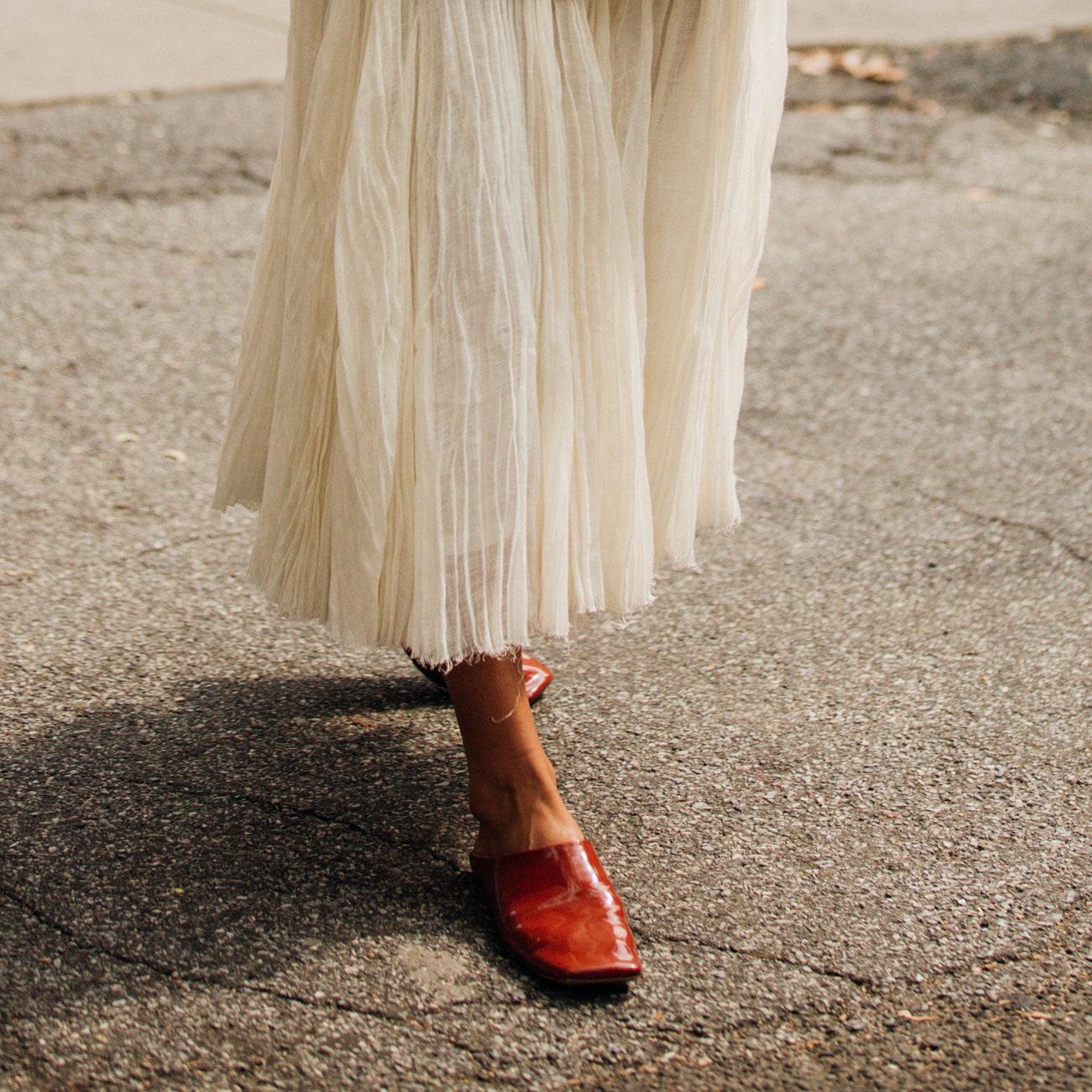 Балетки: с чем носить женственную обувь по совету Бланки Миро