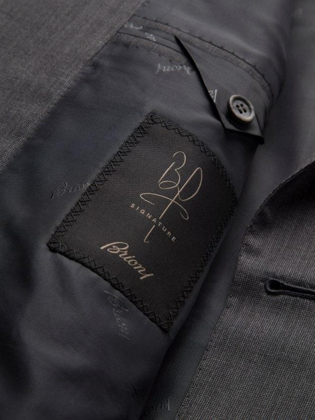 Хотели бы пиджак с автографом Брэда Питта? Актер сделал коллаборацию с Brioni
