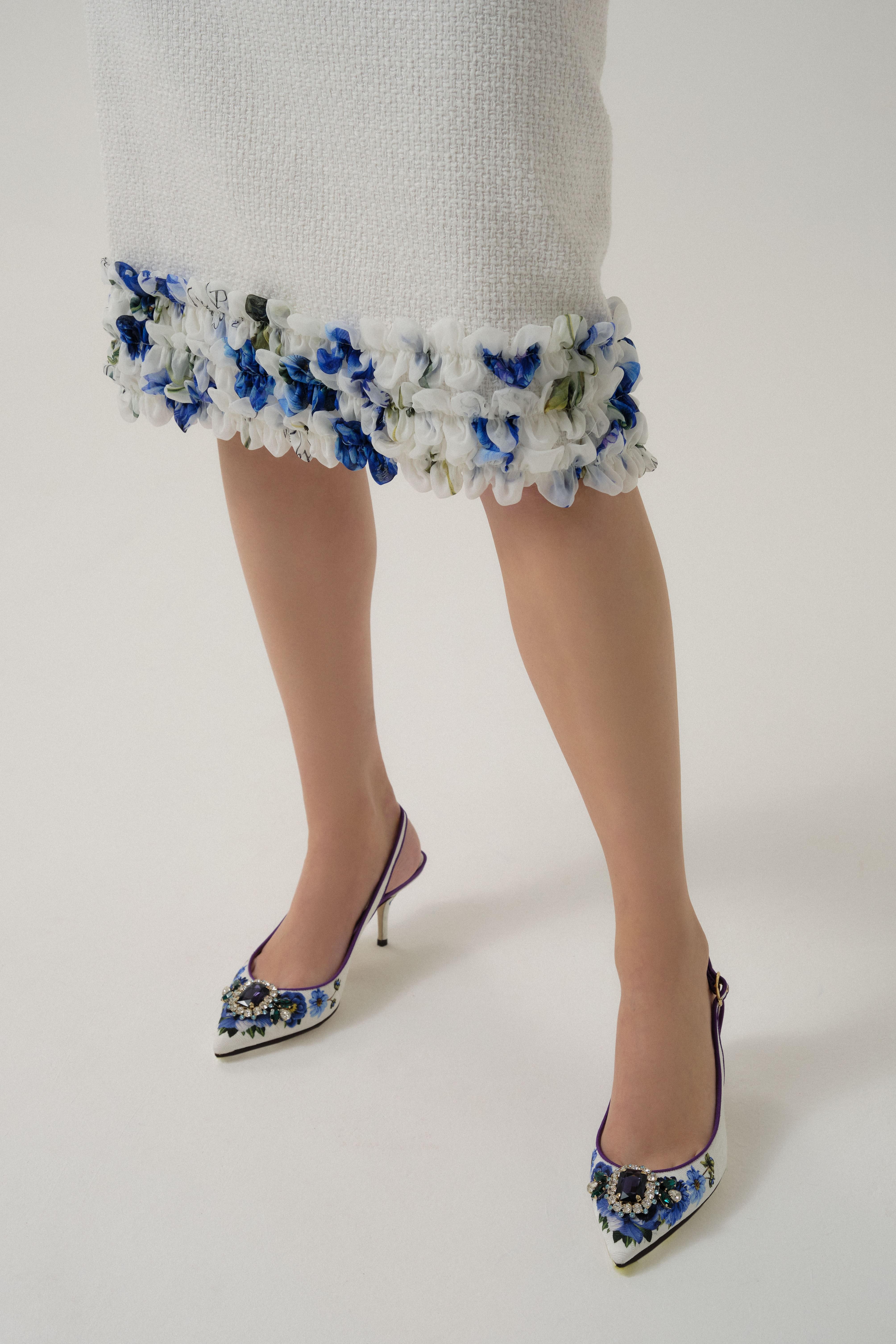 Букет голубых цветов в коллекции Dolce & GabbanaBlueGarden