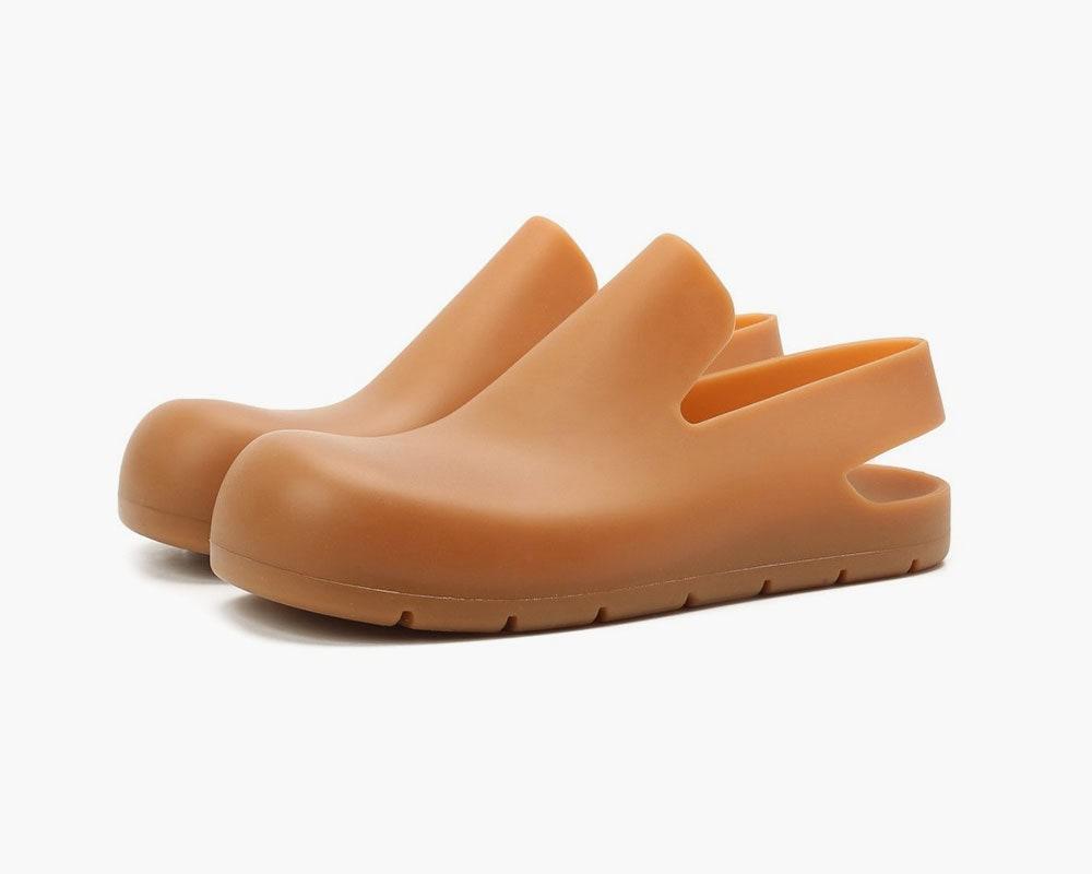 Клоги Bottega Veneta — главная обувь сезона весна-лето 2021. Что надо о них знать?