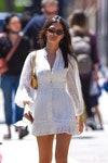 белое платье девушка