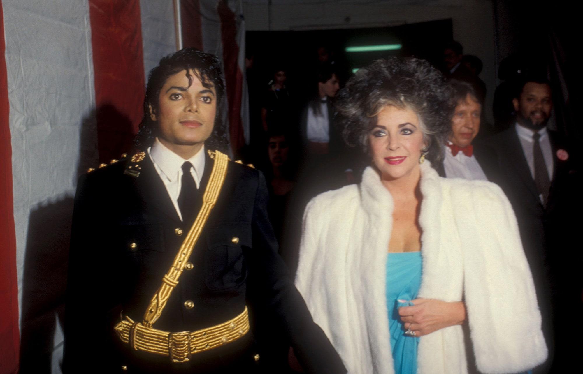 Как Майкл Джексон ввел моду на мундир