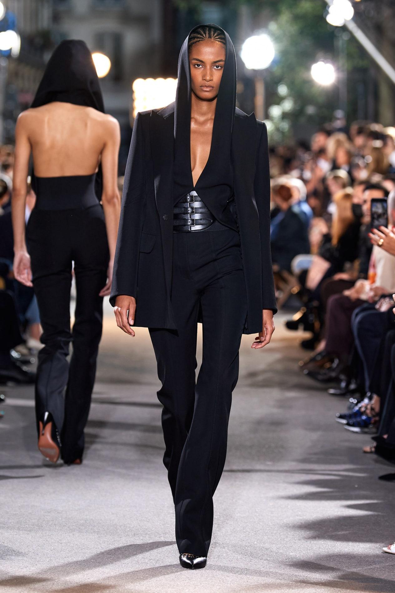 Будущее Alaïa: интервью Vogue c Питером Мюлье о его дебютной коллекции